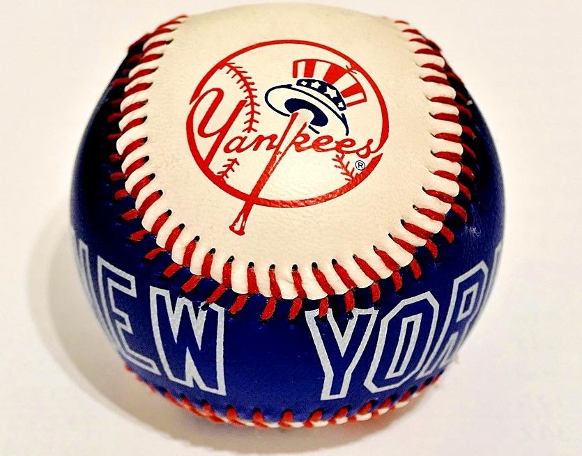 мяч new york yankees