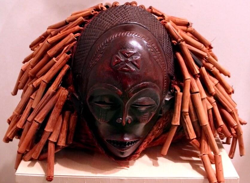 маска чокве в анголе