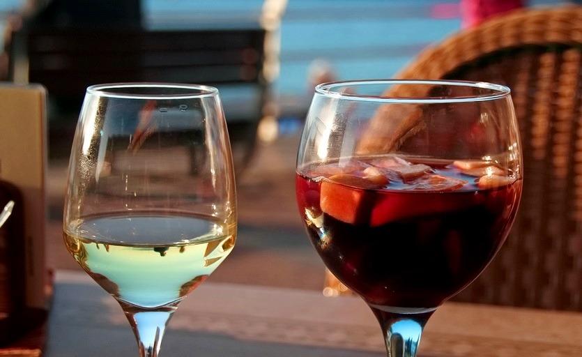 сангрия и вина испании
