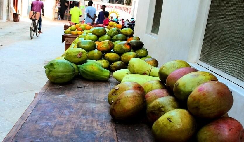 фрукты на занзибаре
