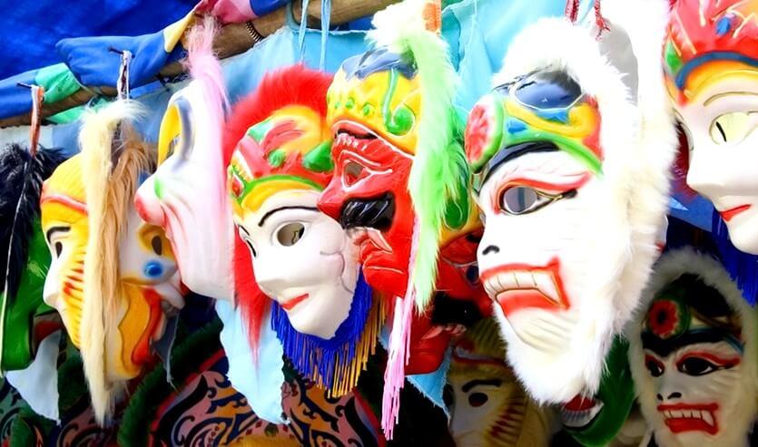 сувениры в монголии маски