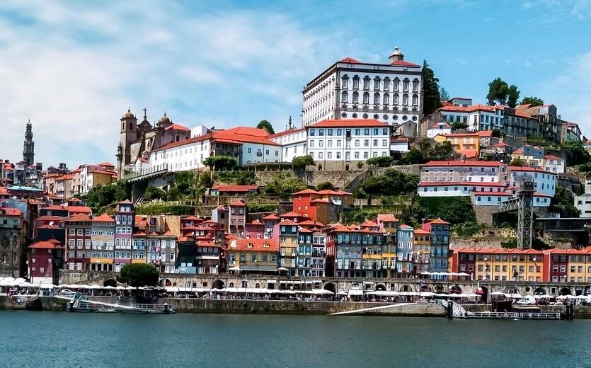 Что привезти из Португалии в подарок: ТОП-10 полезных и интересных сувениров (23 фото)