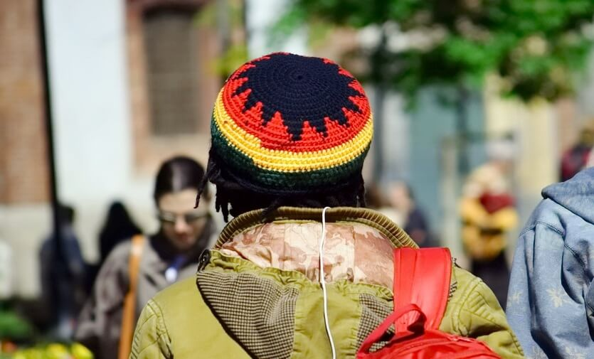растаманская шапка с ямайки