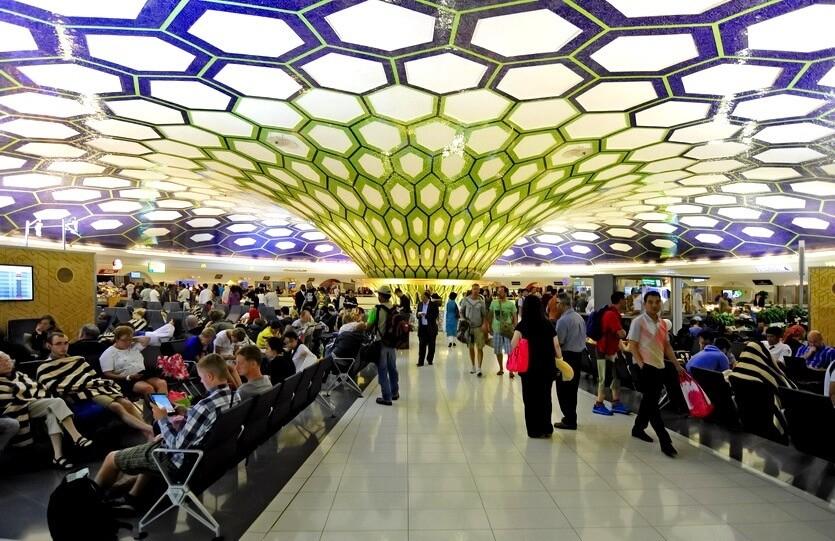 аэропорт абу-даби оаэ