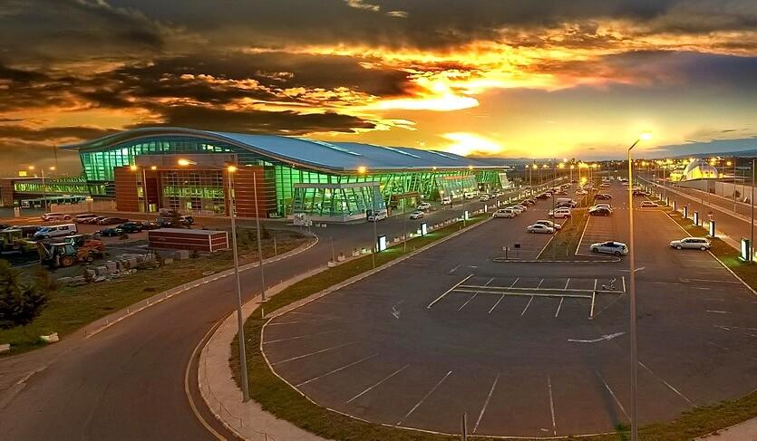 аэропорт тбилиси имени руставели