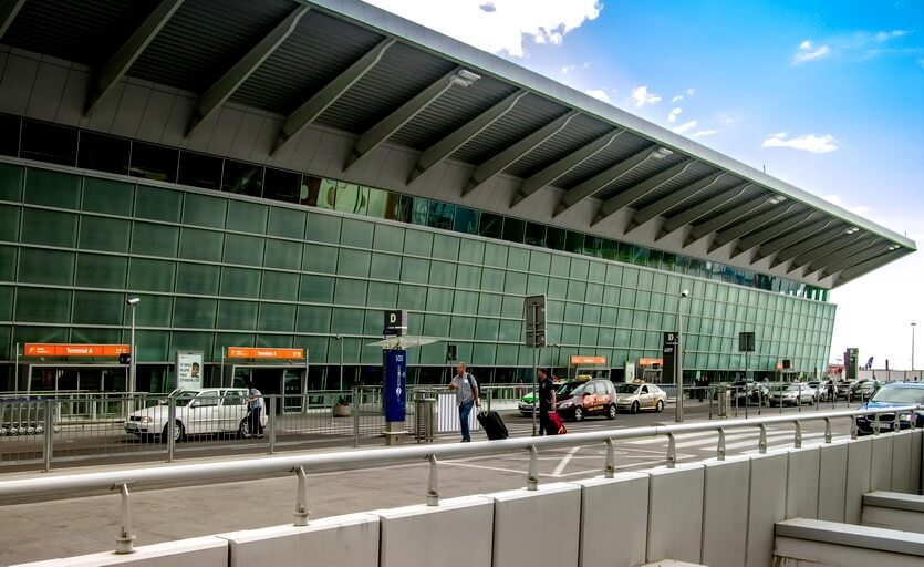 аэропорт варшавы имени фредерика шопена