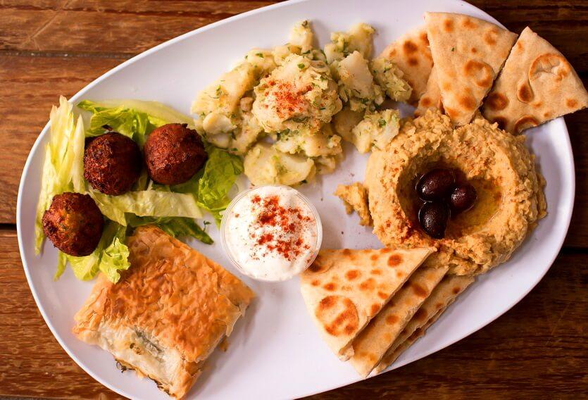 греческие фалафель и хумус