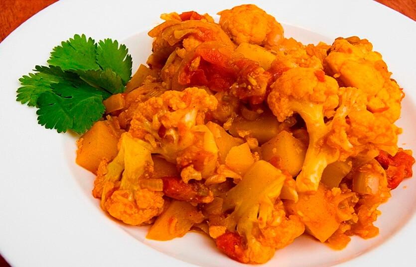 алу гоби индийское блюдо