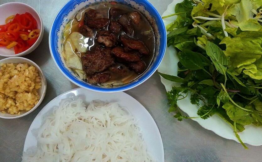 бун ча вьетнамское блюдо