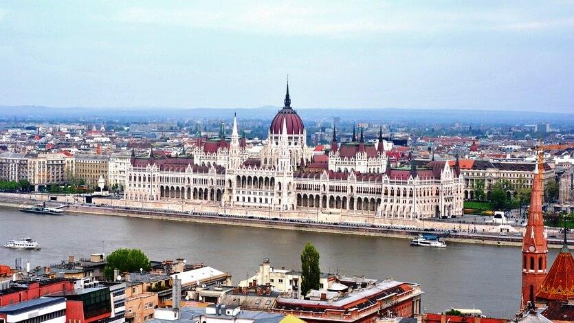 парламент венгрия