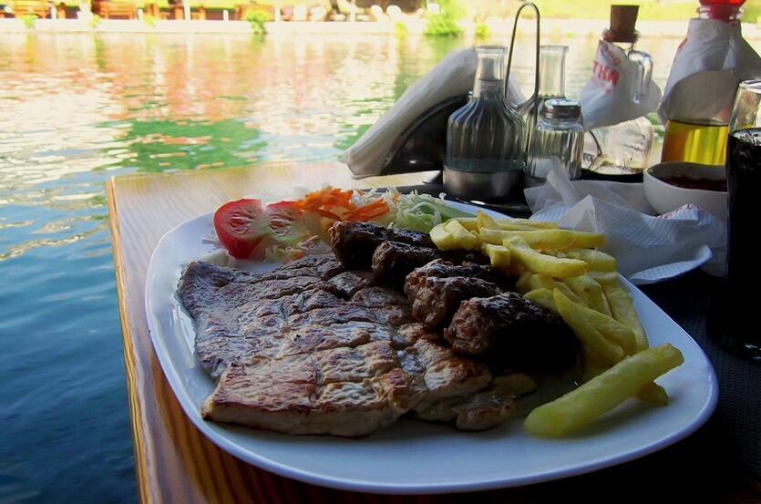 вешалица черногорское блюдо