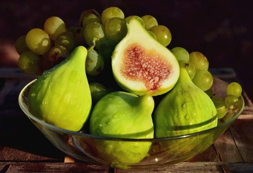 абхазские фрукты инжир