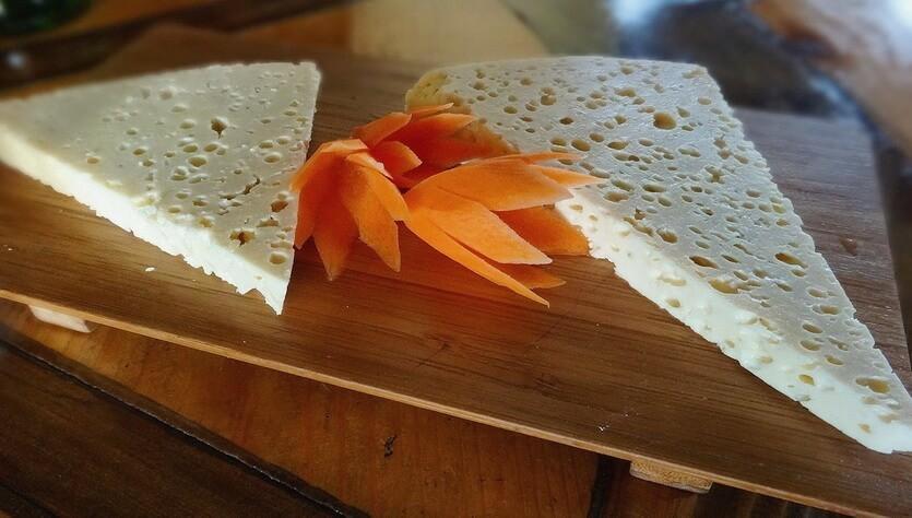 грузинский сыр гуда