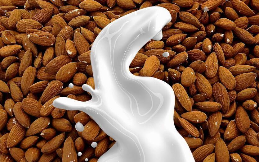 молоко и масло из миндаля